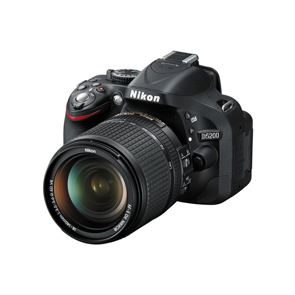 Nikon D5200 DSLR Camera with 18-140mm Lens